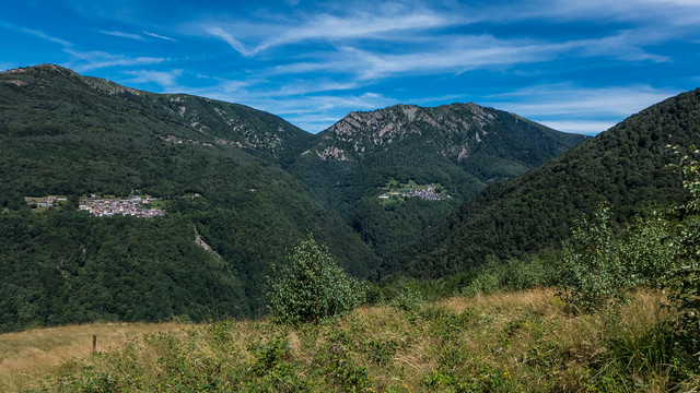 La valle con Lozzo e Biegno