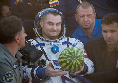 Expedition 48 Soyuz TMA-20M Landing (NHQ201609070030)