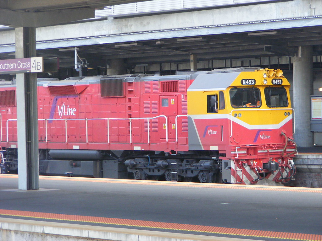 V Line N453 Southern Cross 03.03.10 by Andy Cole