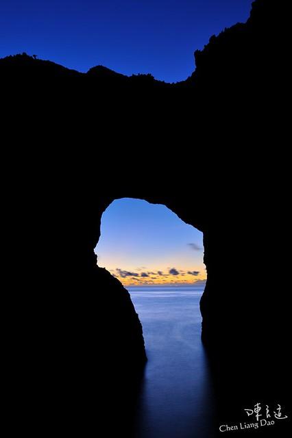 DAO-43130 台灣景點-台東縣 台東市 大自然 蘭嶼 蘭花之島 蘭嶼海岸 情人洞晨曦
