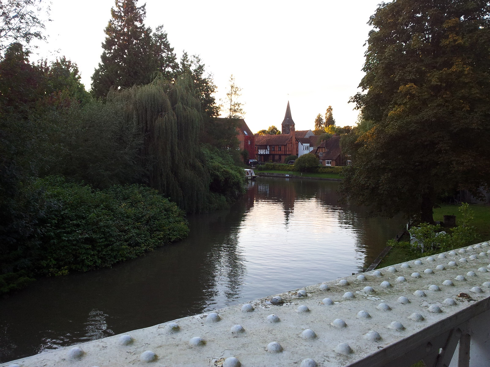 View fro Toll Bridge Henley to Pangbourne