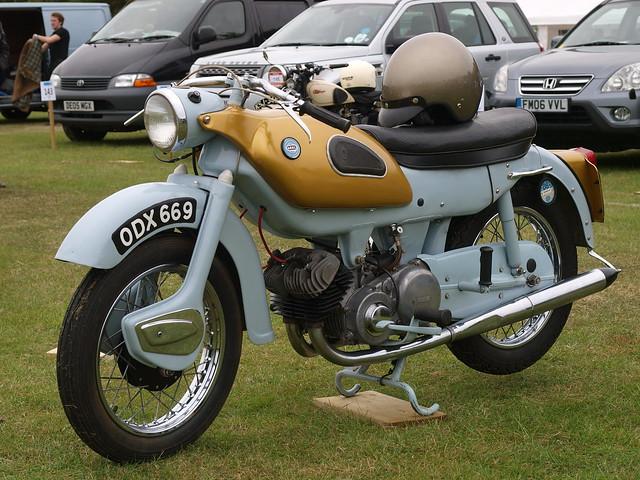 215 1961 Ariel Arrow 250cc