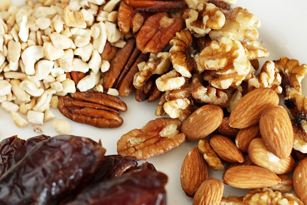 Protein bars are made of healthy nuts and dried foods
