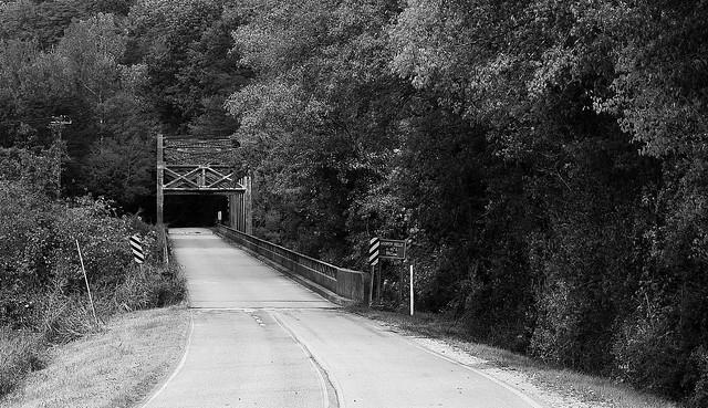 Hooper,Kelly& Bell Bridge B/W