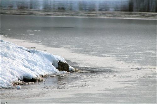 winter snow ice nature water frozen pond rocks snowy icy frozenwater frozenpond icywater johnstonri icypond johnstonwarmemorialpark