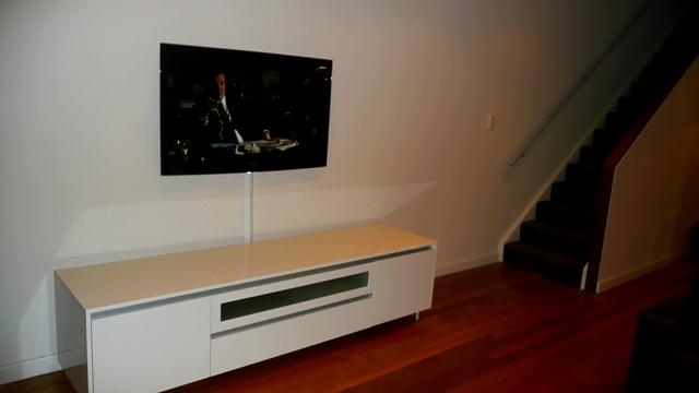 TV Wall Mounting - Samsung 40 inch Series 6 LED TV large