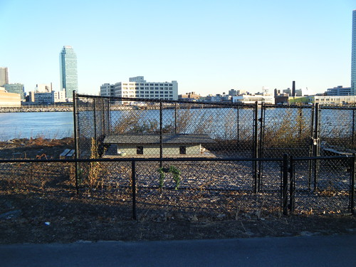 Animal enclosure on Roosevelt Island | by Preetha & James
