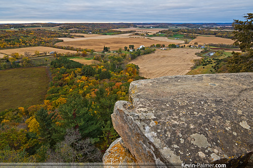 morning autumn trees red orange color green fall yellow wisconsin sunrise early october rocks colorful view pentax cloudy farm horizon harvest scenic farmland cliffs ledge fields lichen westpoint steep gibraltarrock dropoff lodi kx countypark usgsmarker columbiacounty samyang bower14mmf28