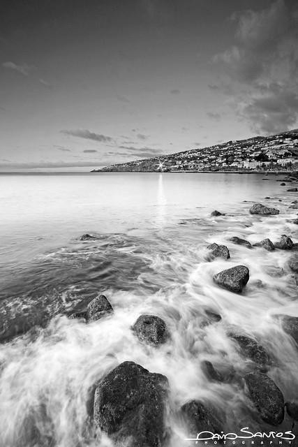 The Water Between The Rocks