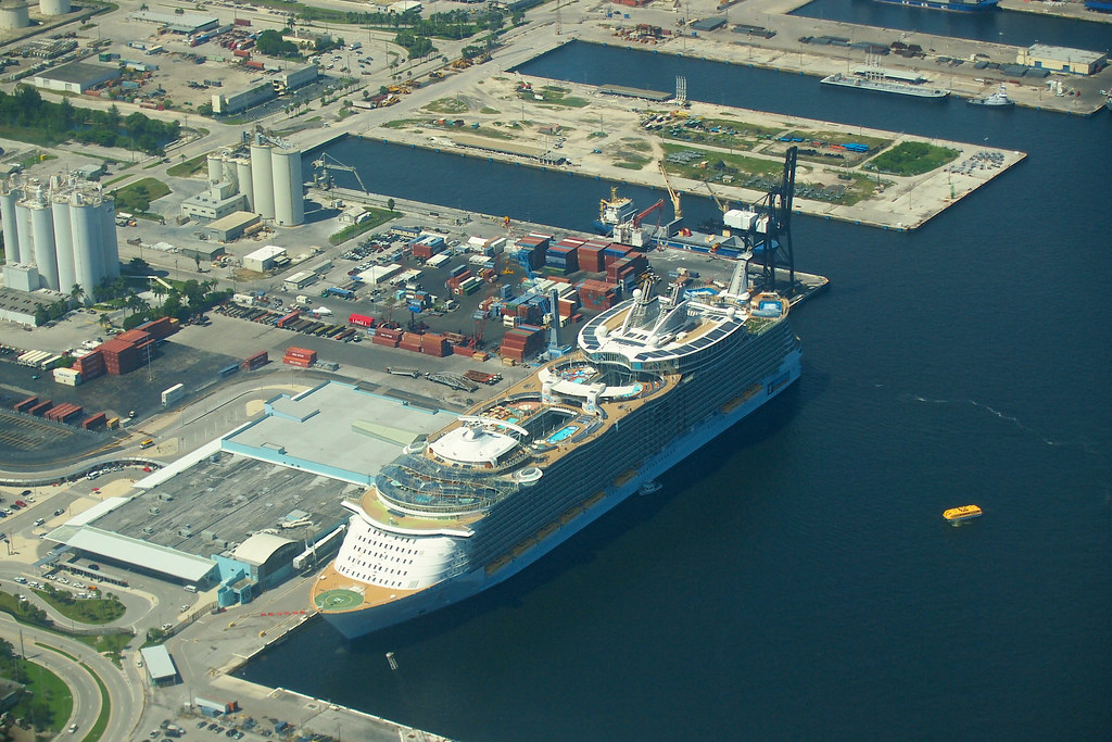 Fort Lauderdale Port >> Oasis Of The Seas Docked In Port Everglades Fort Lauderd