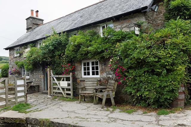 Widecombe-In-The-Moor, Rugglestone Inn