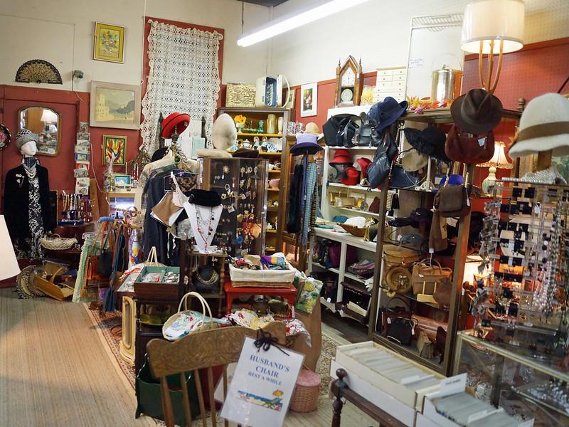 Farmhouse Antiques 8028 Southeast 13th Avenue Portland, OR 9720