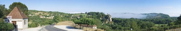 Belcastel-Lacave. Panorama. Panoramic View.
