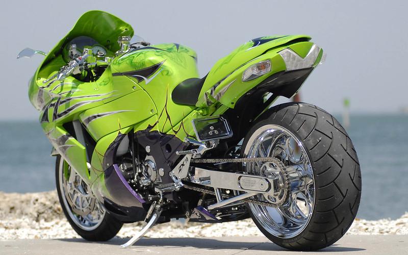 зеленый мото