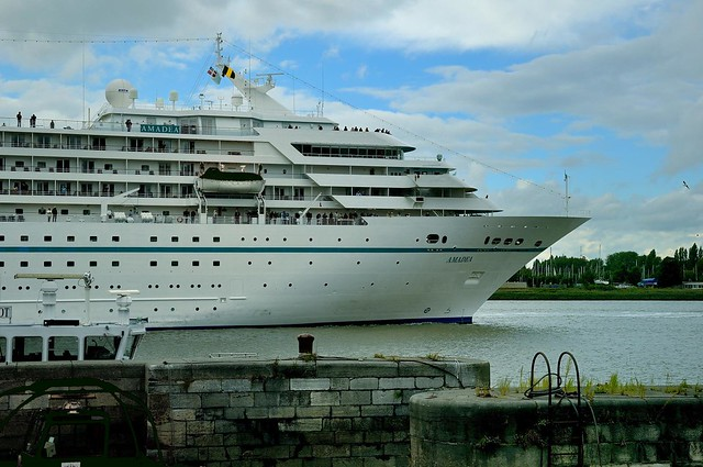Antwerp : The Amadea Nassau  cruise ship on the Scheldt