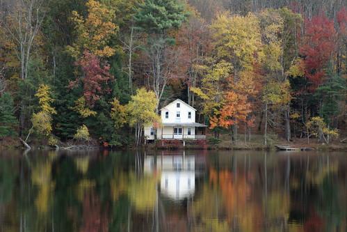 fall automne herbst herfst 秋 boathouse 2012 podzim waynecounty efterår barkleylake φθινόπωρο waynecountypa campstbasil barkleylakepa campsaintbasil