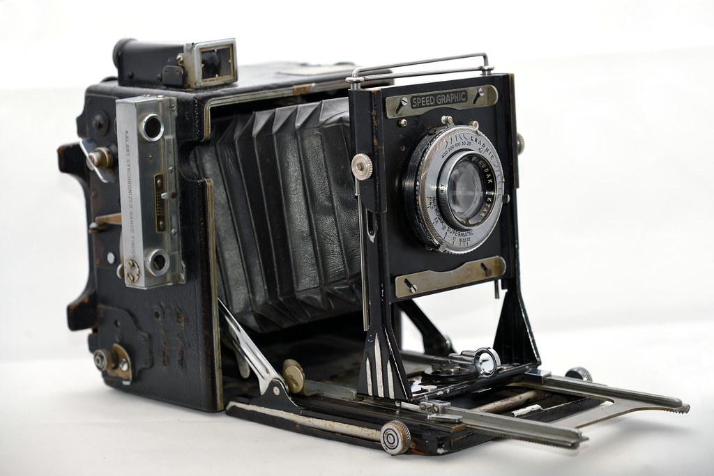Graflex Speed Graphic 4x5 w/ Kodak Supermatic f/4 7 Lens