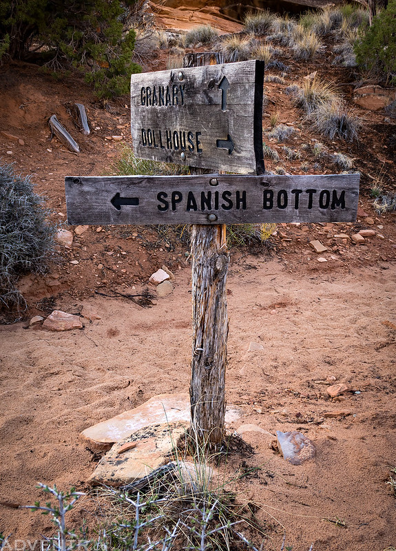 Spanish Bottom Sign