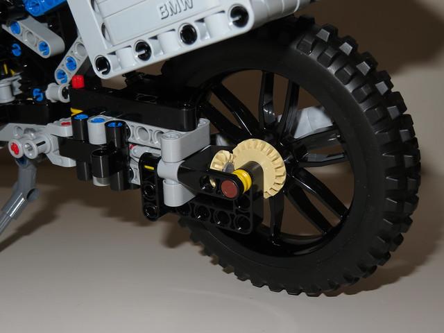 LEGO Technic 42063 BMW R1200 GS Adventure Motorbike