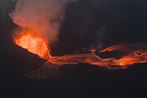 5dsr kapoho leilaniestates aerial bay bigisland canon disaster farms fissure hawaii helicopter islands kilaueafissure8 landscape lava natgeo nationalgeographic nature outdoor pele photography rifts river tobyharriman travel volcano