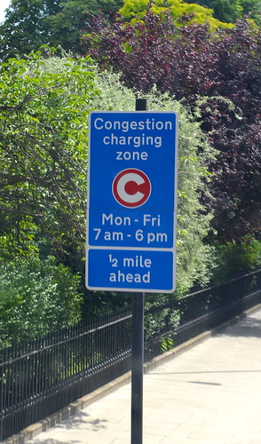 Congestion charging zone 1/2 mile ahead