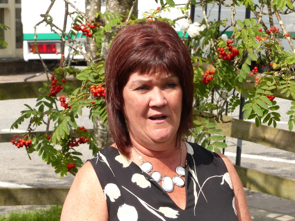 ... 6-Glenys Jones | by Welsh Government / Llywodraeth Cymru