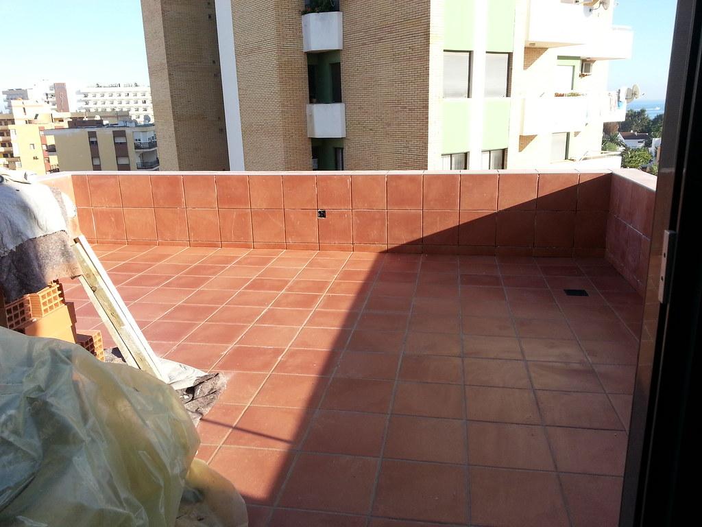 Gres antideslizante en terraza.