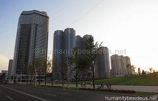 Mansudae housing complex | by humanitybesideus.net