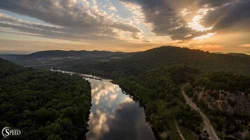 sunrise virginia sunrays newriver littleriver drone radfordvirginia djiphantom3pro claytordam