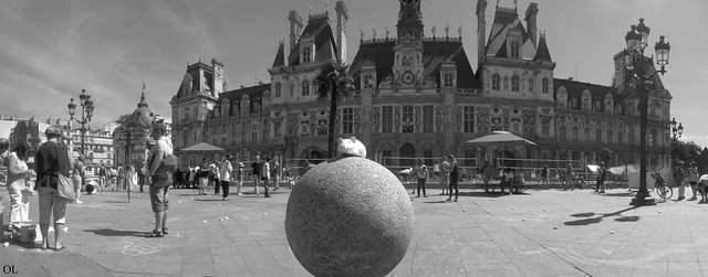 Hotel de ville and Mouse - pano