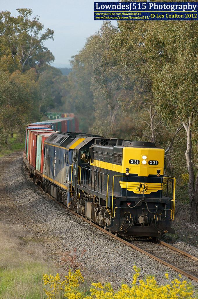 X31 & G515 near Harcourt by LowndesJ515
