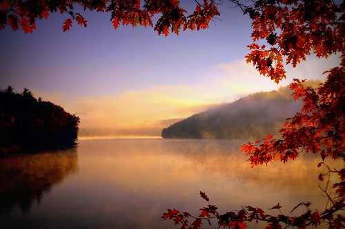 autumn fog sunrise day ruralpennsylvania somersetcountypa quemahoning spectacularsunsetsandsunrises quemahoningdam quemahoningdamarea