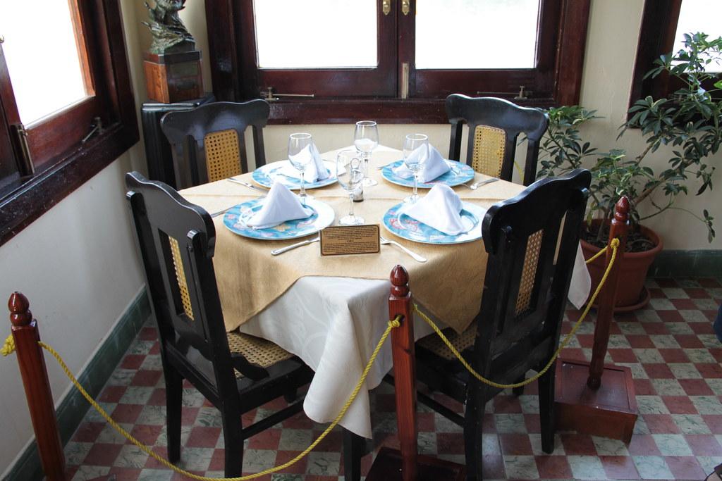 Hemingway S Table La Terraza Bar And Restaurant Cojimar