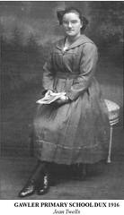 Dawes Dux 1916, Jean Twells