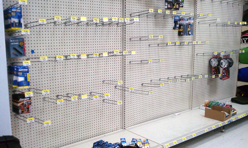 2012_10_27_IMAG0519-wal-mart-flashlight-aisle