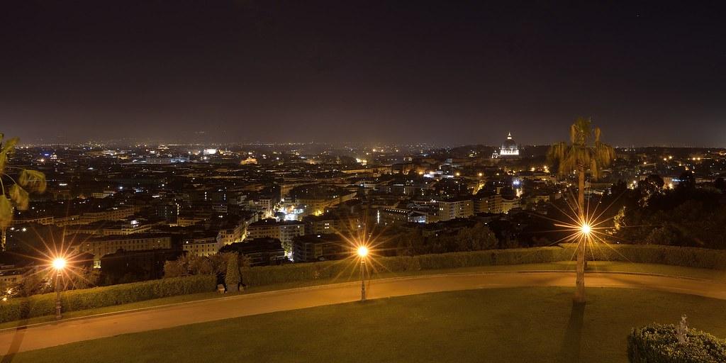 Roma Night Veduta Notturna Di Roma Dalla Terrazza Di Villa