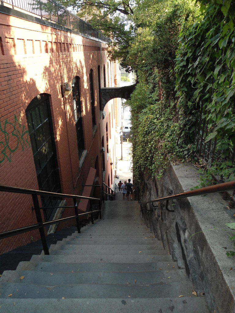 "Las escaleras de ""El Exorcista""/""Exorcist Steps"", Georgetown, Washington DC 2012, USA - www.meEncantaViajar.com"
