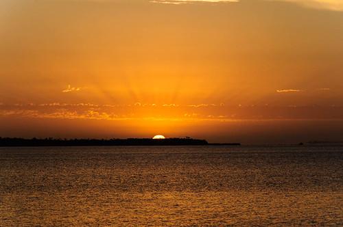 sunset lake dusk australia goldenhour metung lakeking