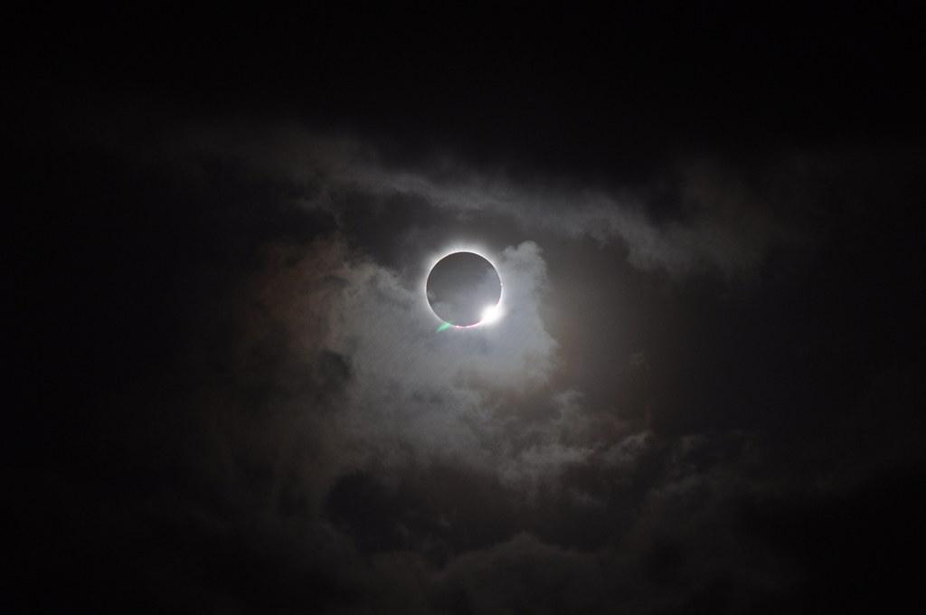 Solar Eclipse - November 13, 2012 | On Nov  13, 2012, a narr… | Flickr