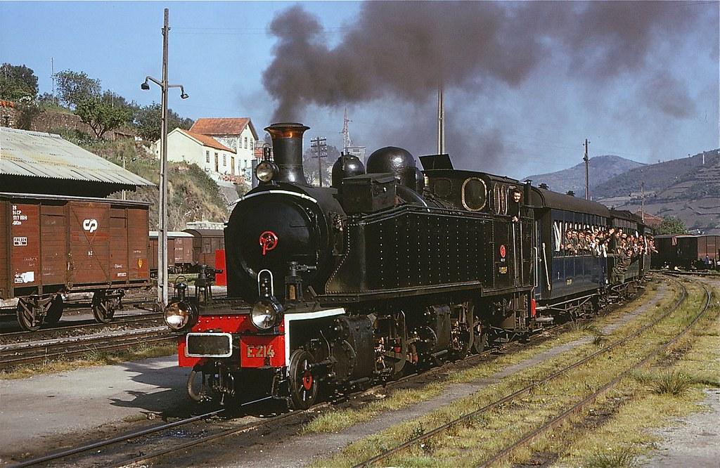 Locomotiva E214, Régua (G. Woods, 17/IV/74)