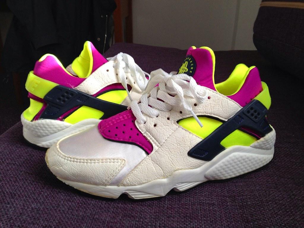 2a3eefabb7800 ... Wmns Nike Air Huarache LE  Neon Yellow  Magenta  OG ( 92)
