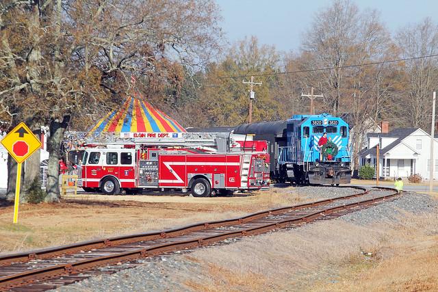 L&C Santa Train 2012 8
