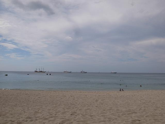 <p>f)バンタオビーチ</p>