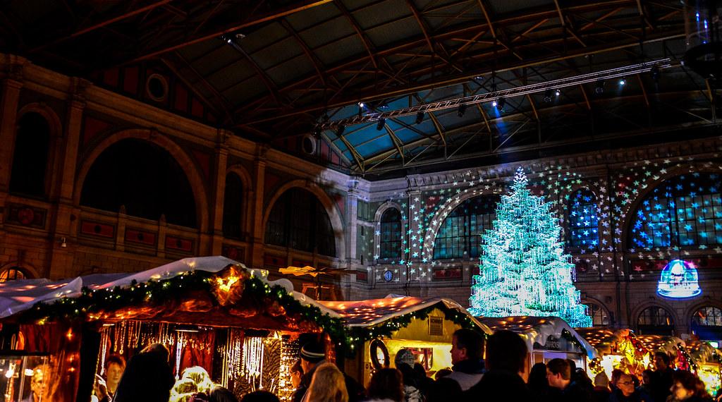 Weihnachtsmarkt Zürich.Christmas Market Weihnachtsmarkt Inside The Zürich Haupt Flickr