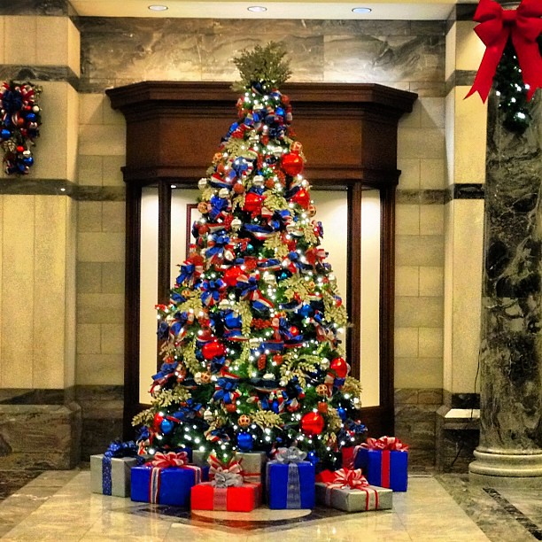 Overly Christmas.Overly Patriotic Corporate Christmas Tree Karon Flage Flickr