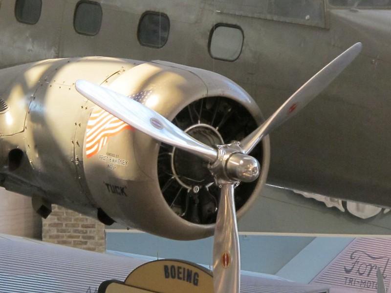 Boeing Model 247D 3