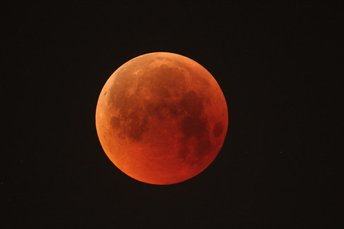 esa europeanspaceagency space universe cosmos spacescience science spacetechnology tech technology bloodmoon totallunareclipse eclipse lunareclipse redmoon spacescienceimageoftheweek madrid spain españa esac european astronomy centre europeanspaceastronomycentre