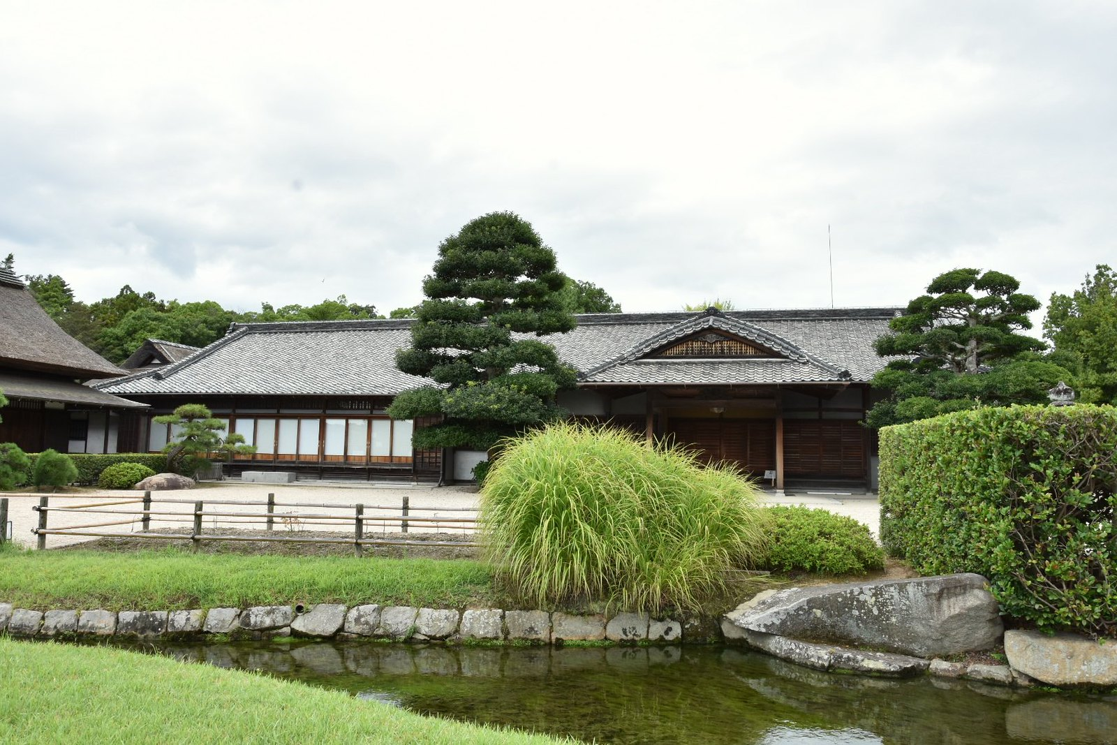 Jardins de Kôraku-en - Enyô-tei, demeure où séjournait le Daimyô