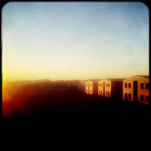 taufkirchen munich münchen bavaria bayern häuser houses holz wood morning sunrise morgen sonnenaufgang morningmist dunst mist asylheim asylunterkunft flüchtlinge refugees landscape landschaft architecture