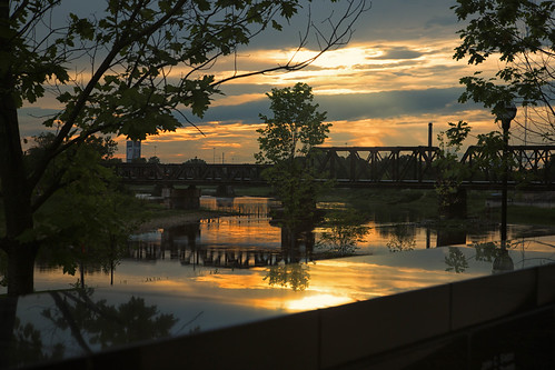 sunset dusk evening sky clouds sciotoriver columbusohio reflections bridge trees silhouettes marble laborworkersmemorial